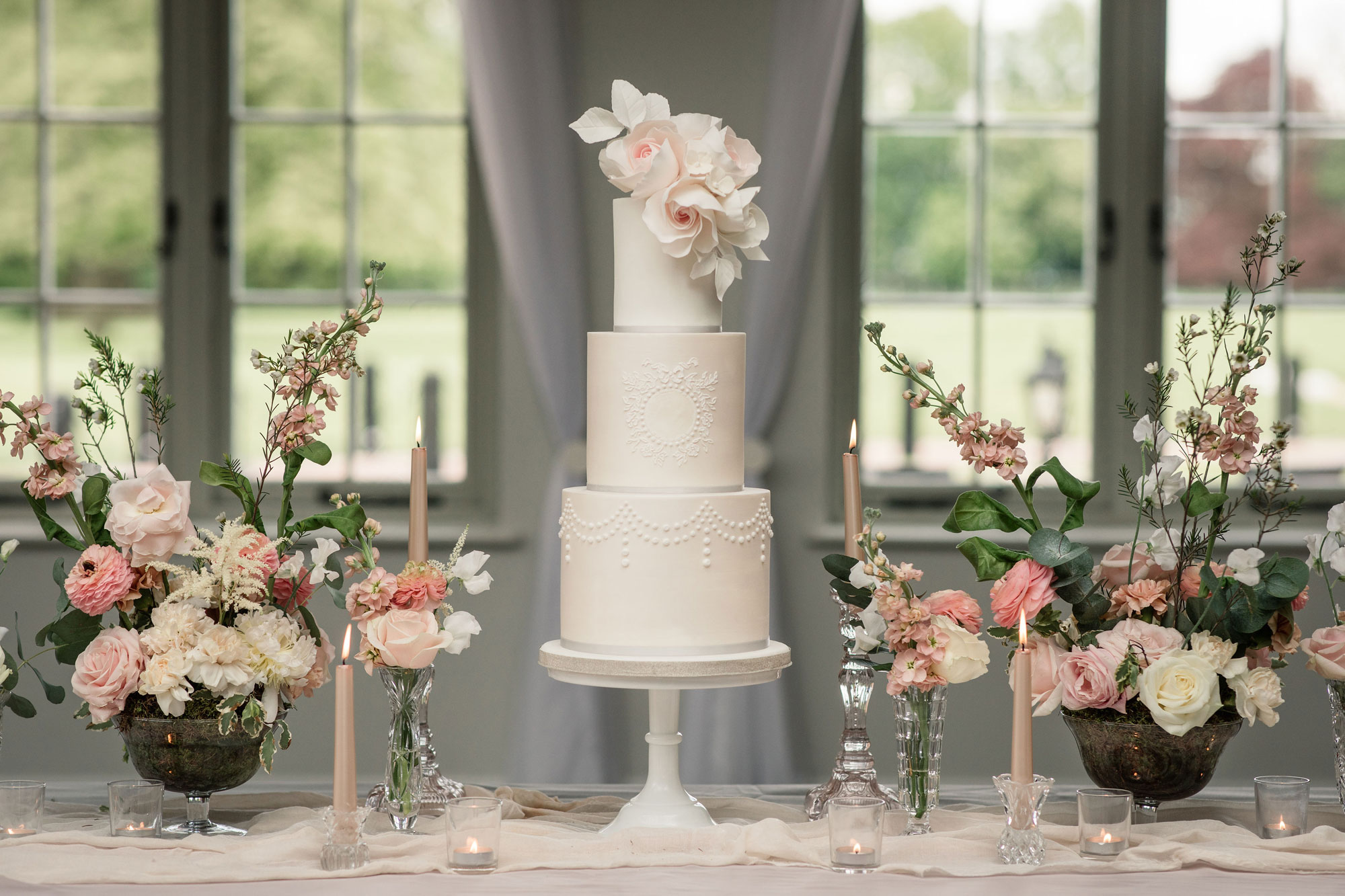 luxury wedding cakes london